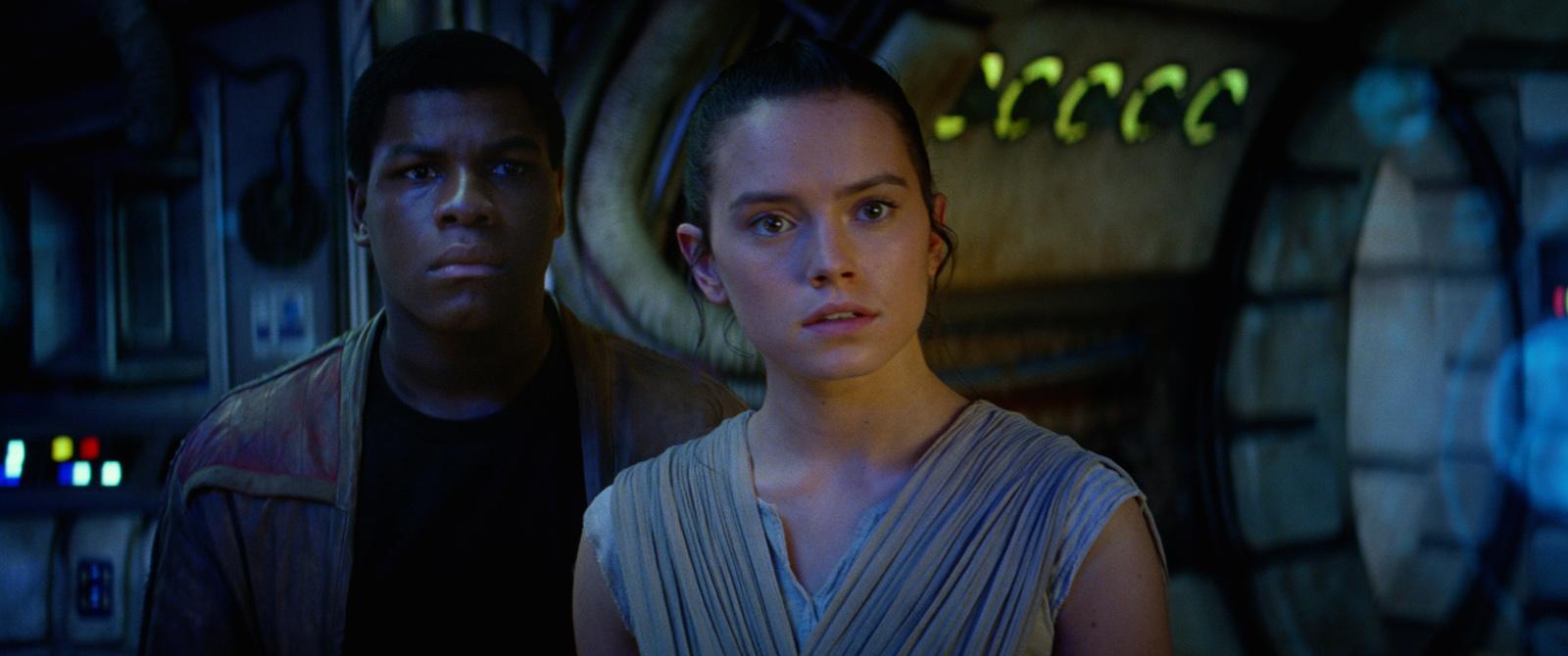 Star-Wars-Le-Réveil-de-la-Force-Daisy-Ridley