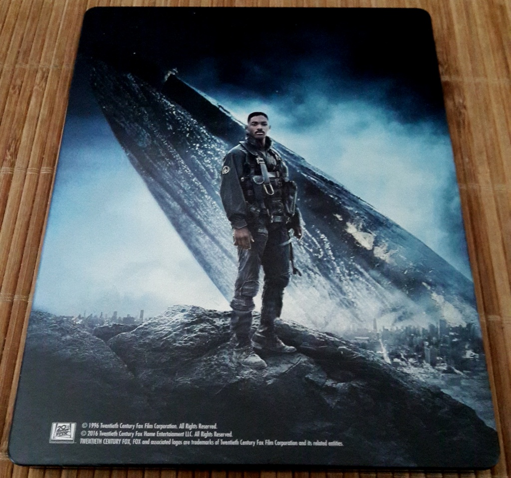 Independence-Fay-Blu-Ray-Steelbook-1