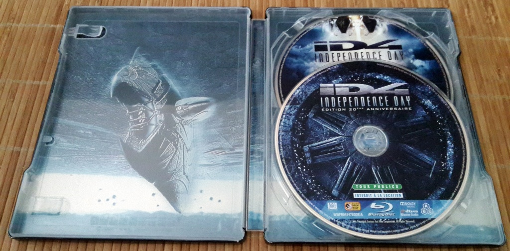 Independence-Fay-Blu-Ray-Steelbook-Anniversary-Edition-1